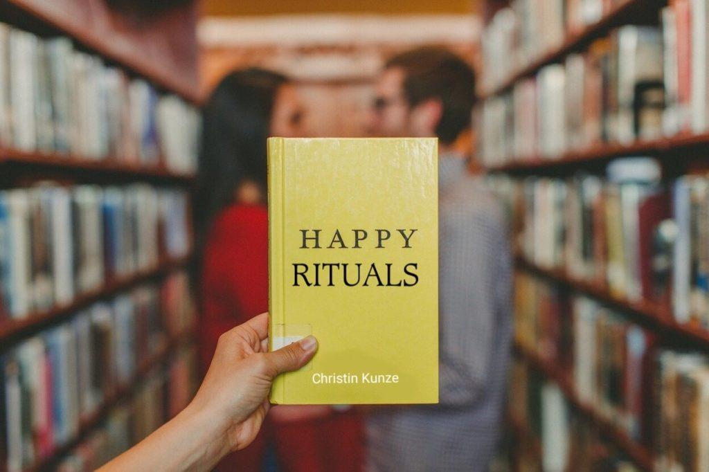 buch happy rituals 1024x682 - Das Leben ändern in  12 Monaten